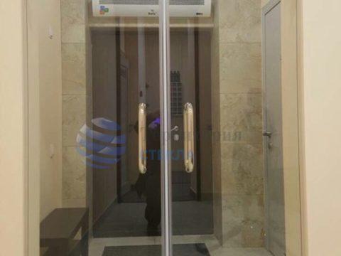 Двери распашные, стекло 8мм прозрачное, фурнитура «Классика»