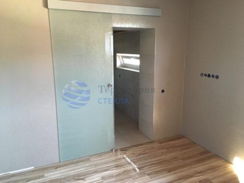 Дверь откатная, стекло 8мм мателюкс, скрытая раздвижная система