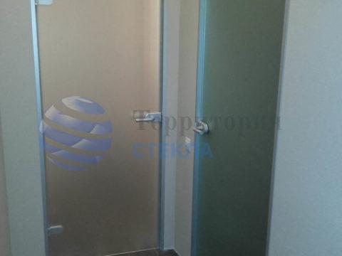 Двери матовые в алюминиевой коробке
