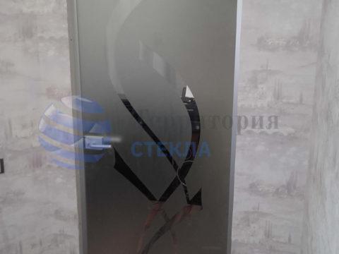 Дверь с пескоструйным рисунком в алюминиевой коробке