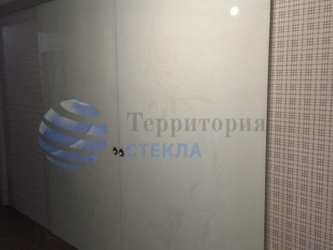 Двери раздвижные, стекло 8мм триплекс молочный, скрытая раздвижная система