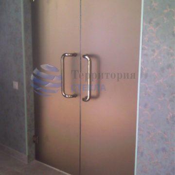 Двери распашные, стекло матовое 8мм бронза