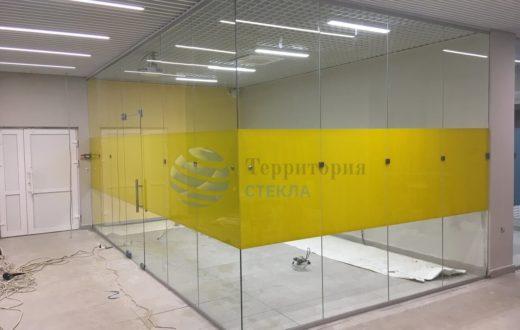 стеклянная перегородка в торговом центре, стеклянные перегородки в Самаре цена