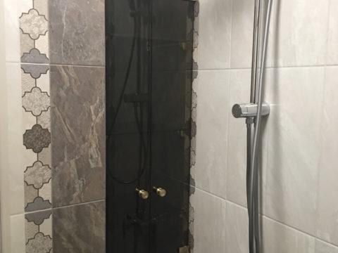Дверцы в нишу в ванной комнате — стекло 6 мм, бронза. Фурнитура «Премиум»