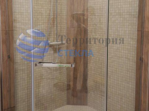 Трапециевидная душевая в коттедж, стекло 8 мм прозрачное